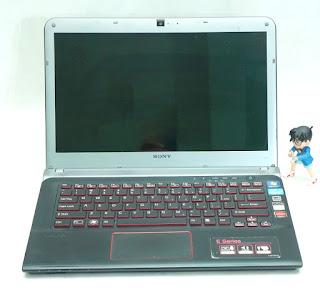 Laptop SONY Vaio SVE14A15FGB Bekas