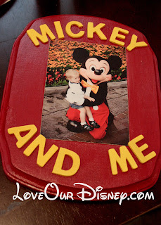 Way cute wall plaque idea for a picture of your child with their favorite Disney character. Tutorial at LoveOurDisney.com