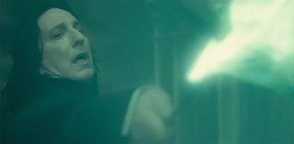 Снейп убива Дъмбълдор в Хари Потър и нечистокръвния принц