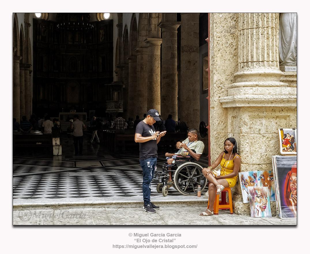 Catedral de Santa Catalina de Alejandría, Cartagena de Indias. Entrando.
