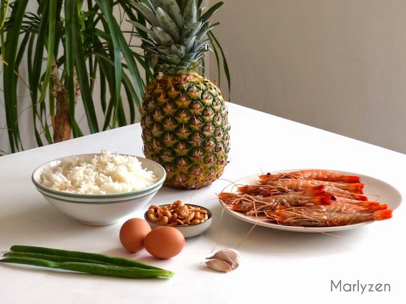 Ananas, crevettes crues, riz cuit...