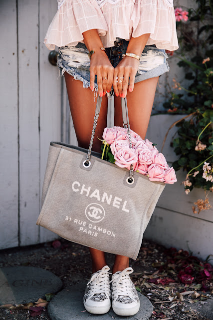 CHANEL canvas tote bag by Viva Luxury | Best fashion Bloggers