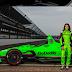 Danica Patrick apresenta seu carro para as 500 Milhas de Indianapolis