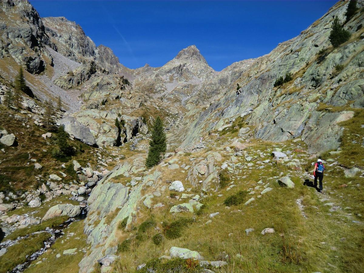 Ascending in Sangué Valley