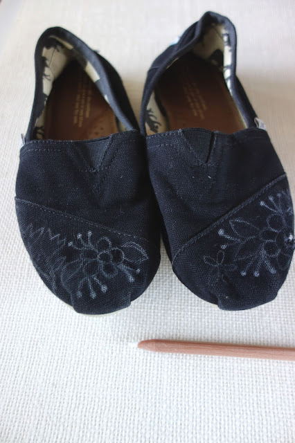 TOMS diy embroidery \, hand embroidery on shoes