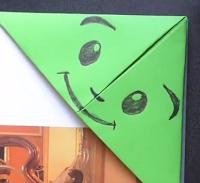 Manualidad marcapáginas fácil origami - punto de libro de papel esquina monstruo