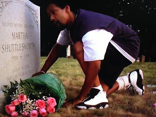 http://4.bp.blogspot.com/-PnY626IOwrg/UT4piwpNcII/AAAAAAAAH-4/OE1SaZ32CEA/s320/Nike+Retro+Air+Jordan+Xiii+He+Got+Game+13+Denzel+Grave+scene.jpeg