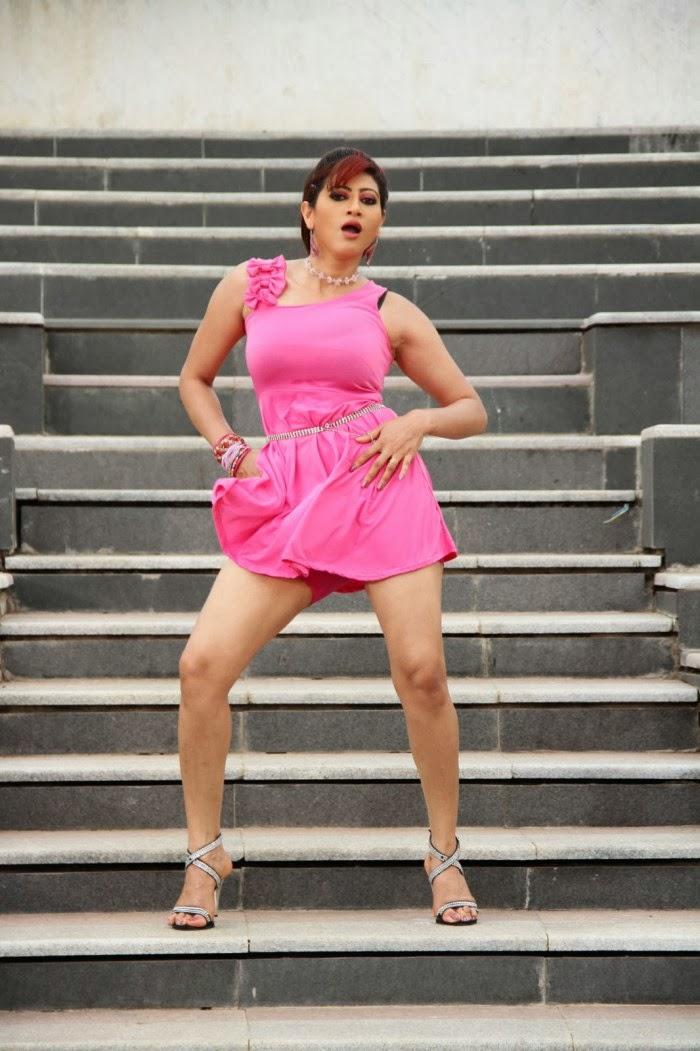 Rishika Singh sexy photos, Rishika Singh sexy legs photos, Rishika Singh Thunder thighs