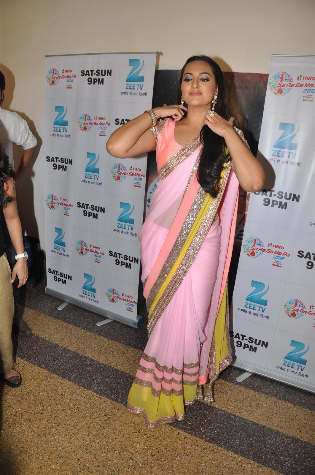 Cute sonakshi in pink saree