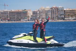 Disfrutando el buen tiempo en torrevieja ( Alicante ) con una vuelta en moto