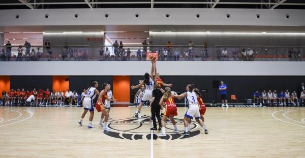 ΕΟΚ | Εθνική Παγκορασίδων (U14): Ελλάδα-Ισπανία (άσπρη) 33-71