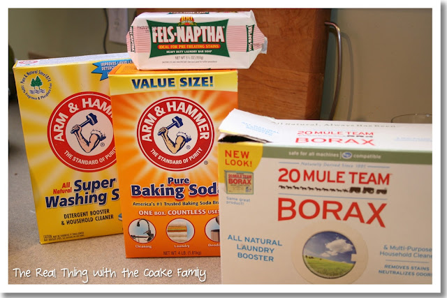 How to make your own homemade laundry detergent and save money. #Laundry #RealCoake