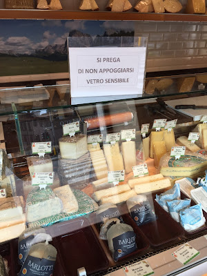 Cheese window at Ol Fromager, Bergamo.