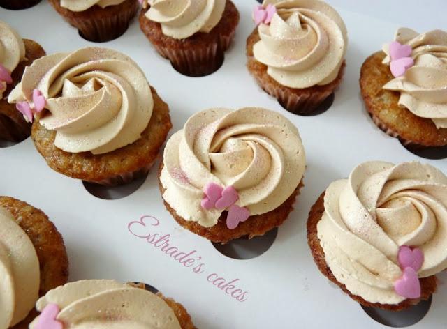 Cupcakes de plátano con crema de dulce de leche 1