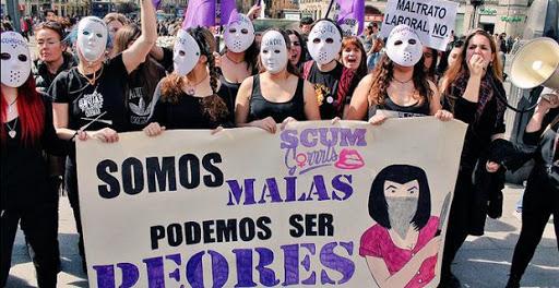 LA RATONERA: «El problema de las feministas se reduce a una cuestión semántica: «Ellos y ellas, ustedes y ustedas o gilipollas y gilipollos»
