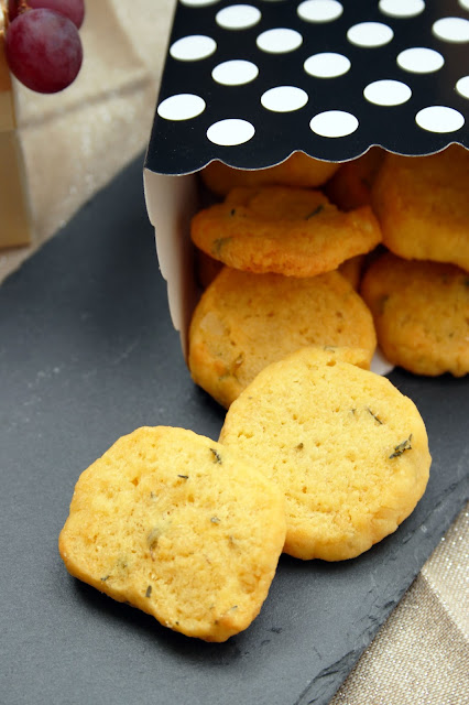Gruyère-Kekse mit Thymian