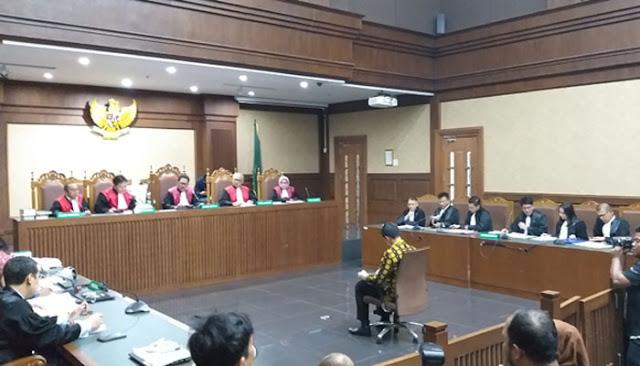 Jaksa KPK Ungkap Uang Gratifikasi Gubernur Kader PAN, Zumi Zola Mengalir Ke DPD dan Keluarga