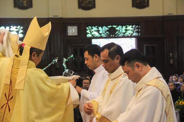 Lễ truyền chức Phó tế và Linh mục tại Giáo phận Lạng Sơn Cao Bằng 27.12.2017 - Ảnh minh hoạ 135