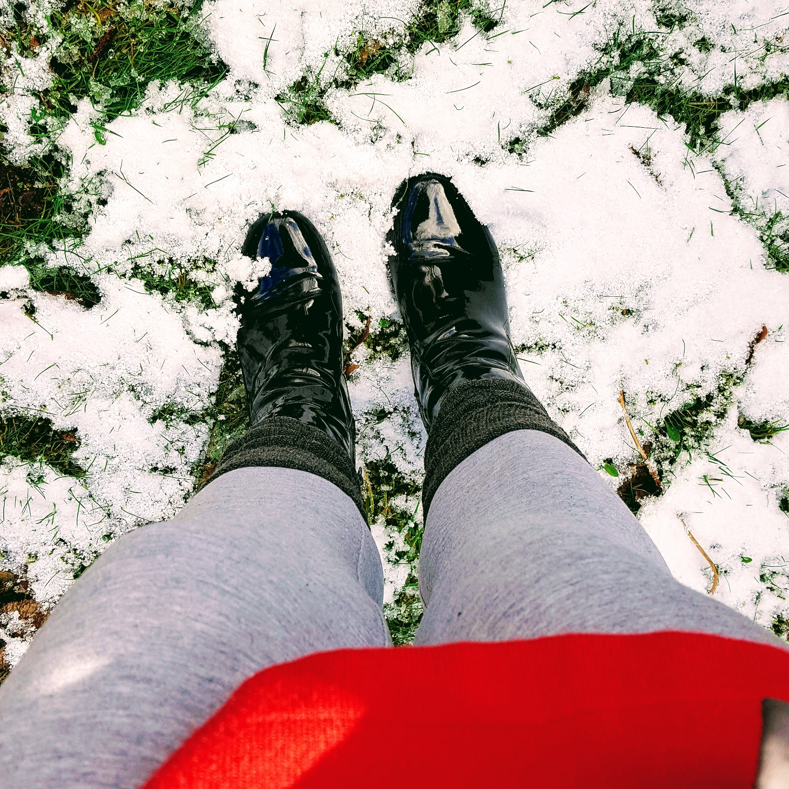 5 Ways To Keep Warm And Stylish In The Snow: Over 40 Style