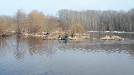 На реке Мелеуз чуть не утонул рыбак