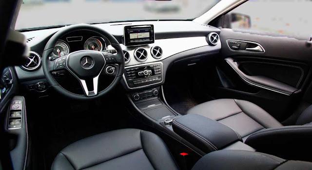 Nội thất Mercedes GLA 200 2018 được thiết kế thể thao, mạnh mẽ