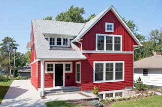 บ้านสีแดงสวย อบอุ่น