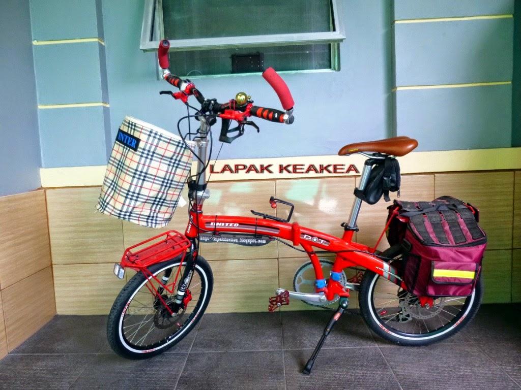 http://lapakkeakea.blogspot.com/2015/01/tas-keranjang-depan.html