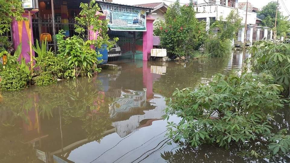 Air Semakin Naik, Warga Toraja di BTN Asal Mula Makassar Ini Mengungsi