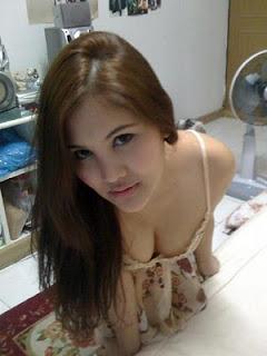 http://4.bp.blogspot.com/-Pp17r7MnwVk/TZYWiQA2mlI/AAAAAAAAAFw/882IE_C8blI/s1600/Tante+cantik+narsis+%2526+menggemaskan+1.jpg
