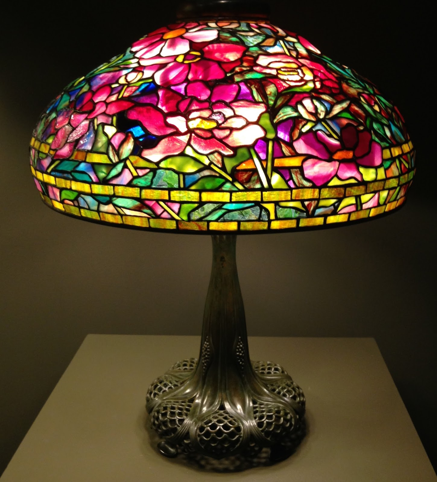 5fec5e0cf57 While I d known that the Tiffany shades were leaded glass - small pieces of colored  glass fitted together and held together with strips of copper and lead ...