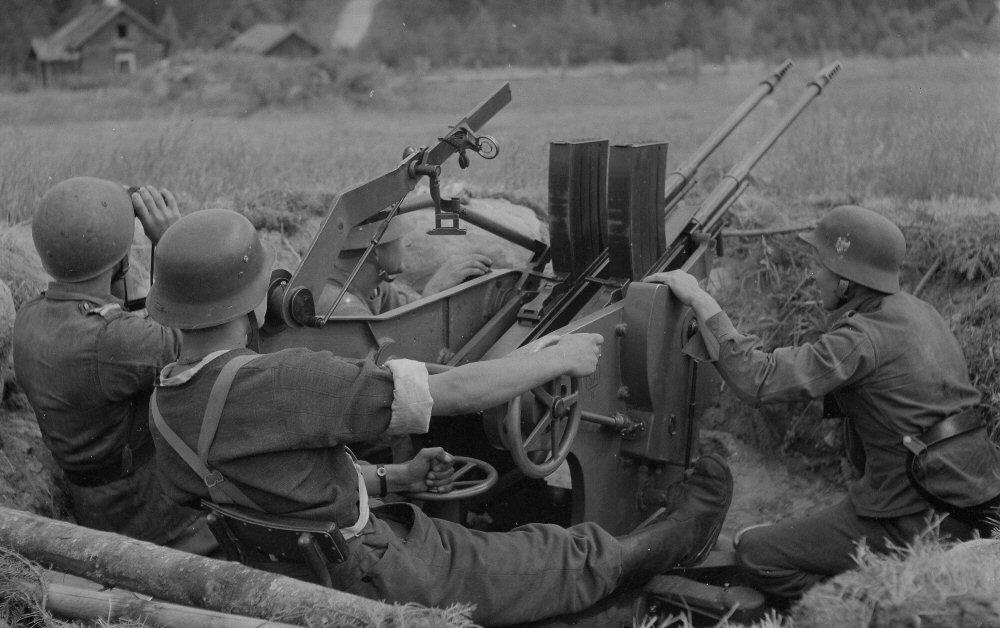 Armour force / Panssaroitu voima : Aimo Lahti 20 mm AA gun.