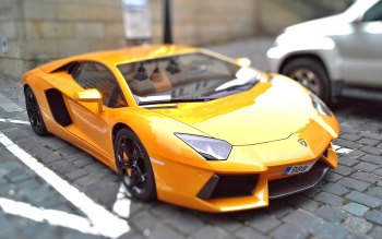 Wallpaper: HOT Yellow Lamborghini