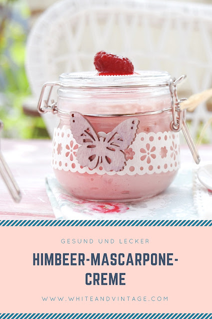 Sommerrezept Himbeeren mit Mascarpone serviert im Glas