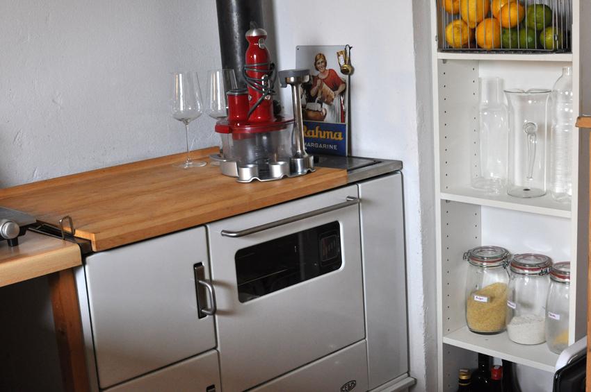 kleiner holzofen kleiner holzofen in prutting fen heizung. Black Bedroom Furniture Sets. Home Design Ideas
