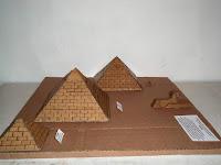 Piramides de Carton