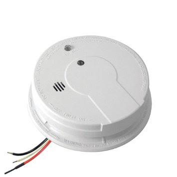 Hardwired/alarm terhubung dengan kabel