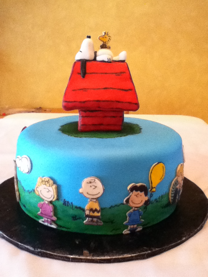 Charlie Brown And Snoopy Birthday Cake