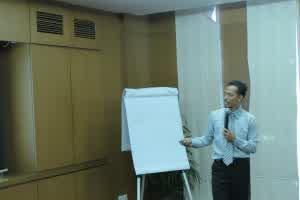 Trainer Hipnotis Terbaik di Indonesia