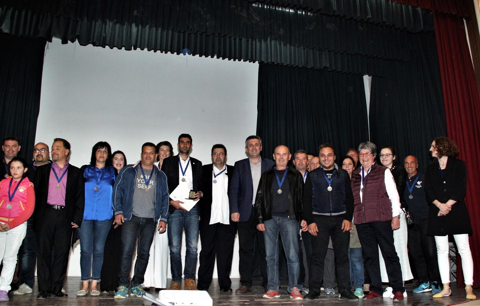 Αποτέλεσμα εικόνας για Βραβεύθηκαν οι 200 και πλέον εθελοντές που συμμετείχαν στον «4ο Δρόμο του Γιοφυριού»