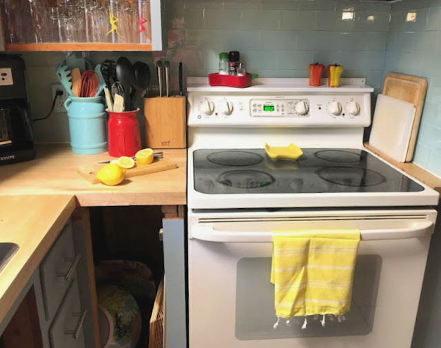 We gave our 70's kitchen a Mid-Century Modern Update on a Budget - One Room Challenge