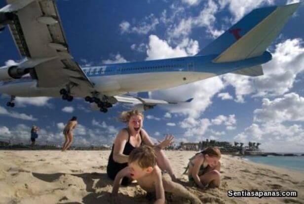 Pantai Maho, Sint Maarten