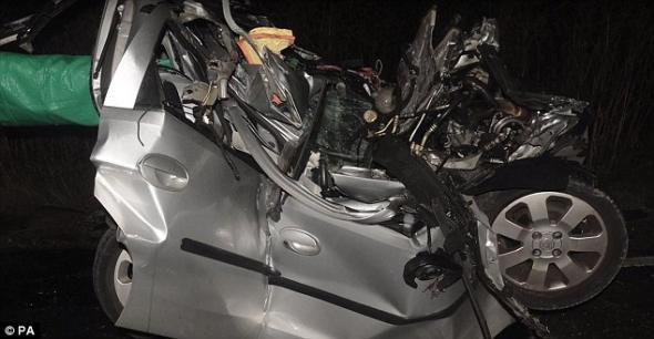 Σοκαριστικό βίντεο – Οδηγός φορτηγού έπαιζε με το κινητό του και ξεκλήρισε οικογένεια