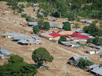 Banjir yang terjadi di Indonesia - berbagaireviews.com