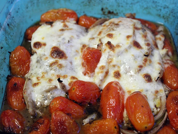 Never let cheese go to waste! (Balsamic baked chicken with tomatoes and cheese)