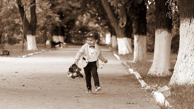 jak ubrać chłopca na wesele
