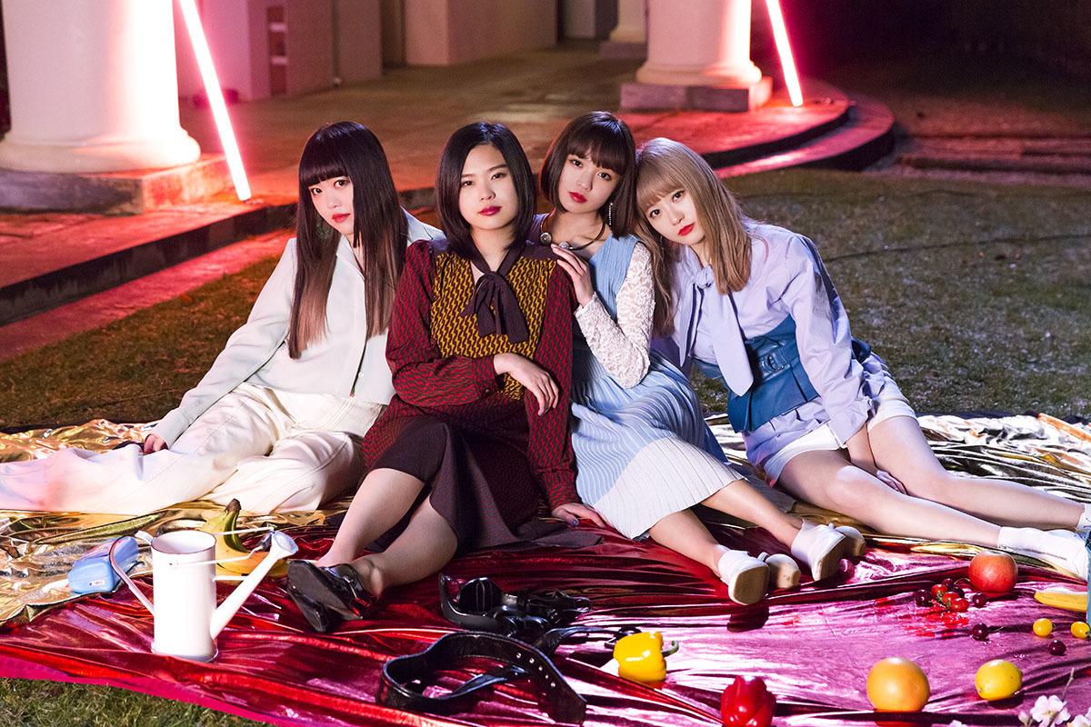 GIRLFRIEND - Heroine ni Naritai (ヒロインになりたい) single detail cd dvd lyrics kanji romaji ending song Buzz Rhytm 02