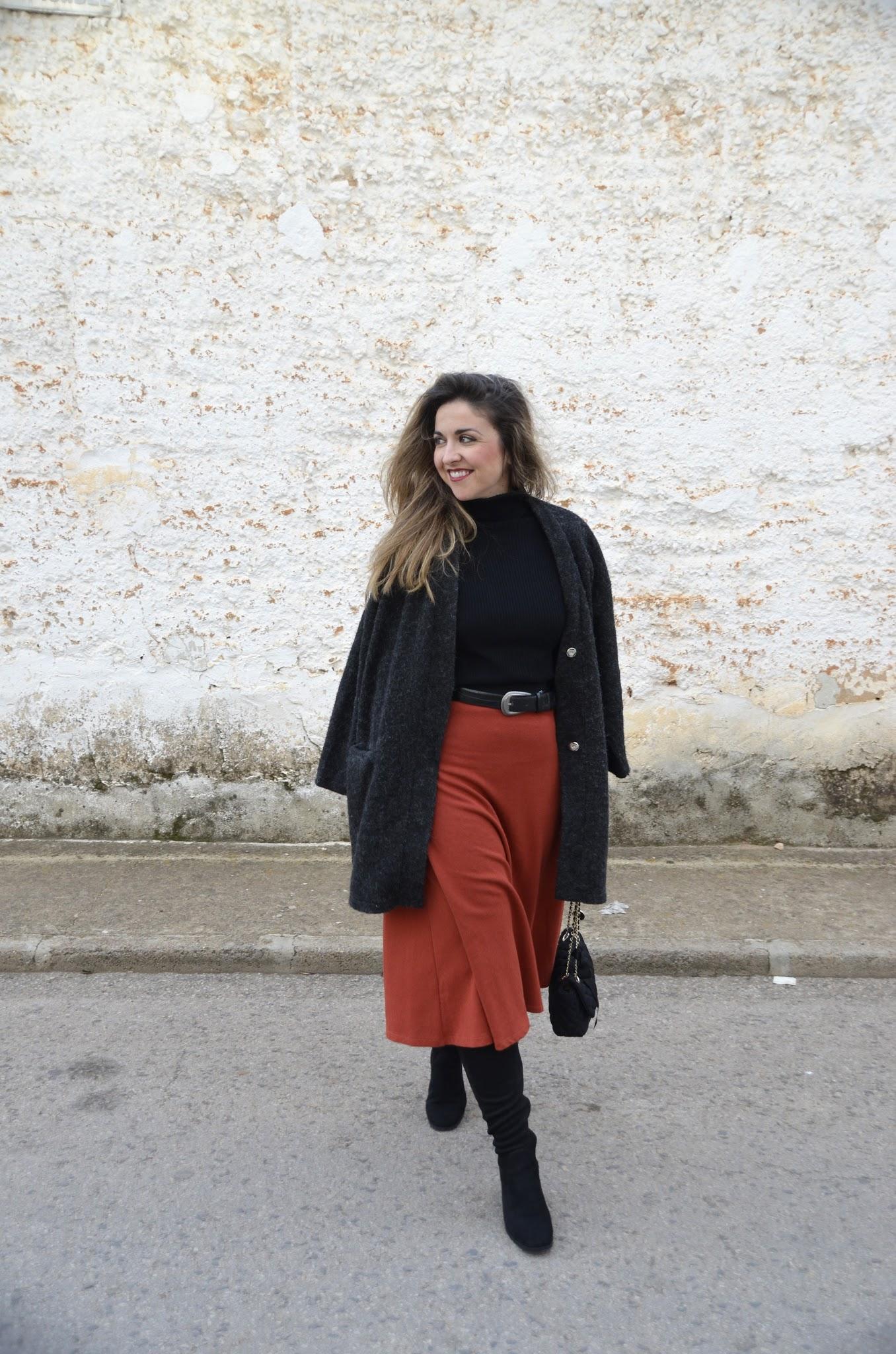 falda color teja cinturon marcando cintura blog de moda 2017