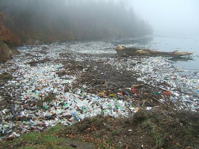 Arrêtons de faire la guerre aux plastiques. Sérieux?