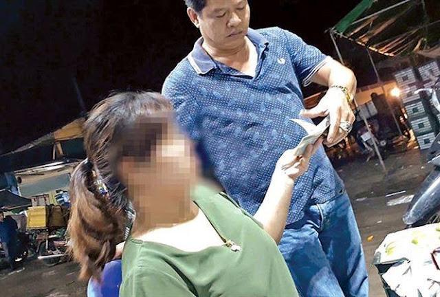 """Xuất hiện tình trạng """"thu tiền bảo kê"""" tại chợ Long Biên"""
