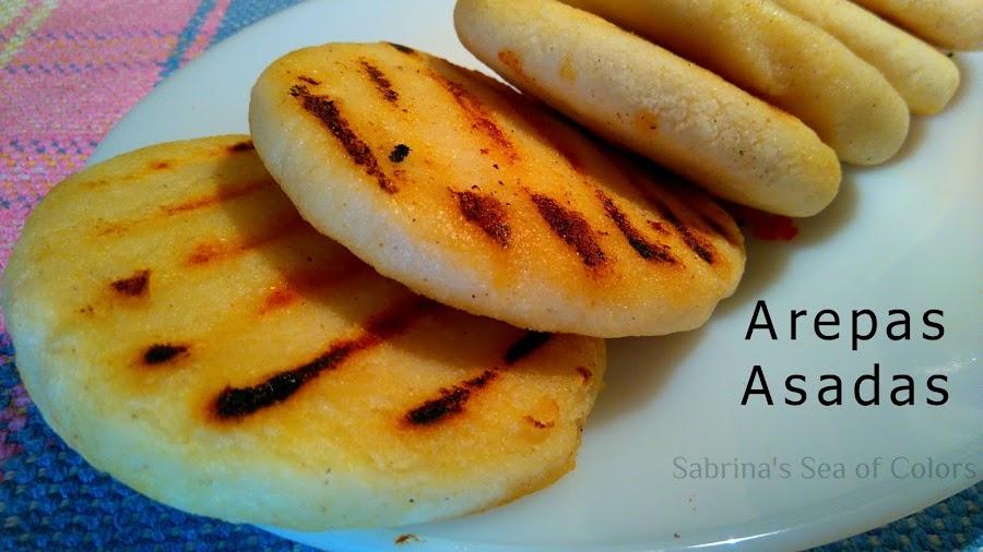 Arepas_asadas_tradicionales_con_pabellón